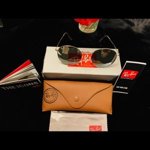 BRAND NEW RAY-BAN SILVER ROUND METAL 🕶